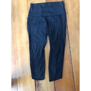 Black lululemón cropped leggings